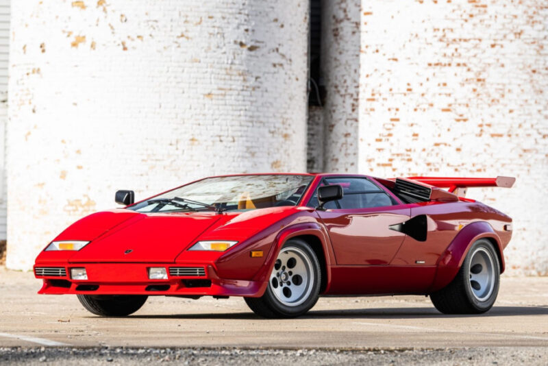 Аукционный автомобиль Lamborghini Countach 1982 года