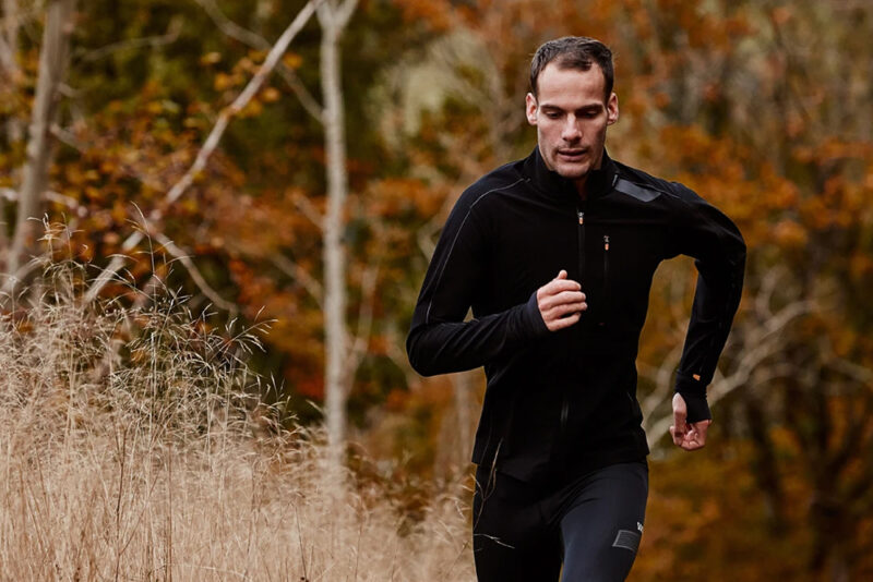 10 лучших мужских курток для бега