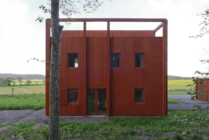 Шведский дом в традиционном цвете Falu-Red