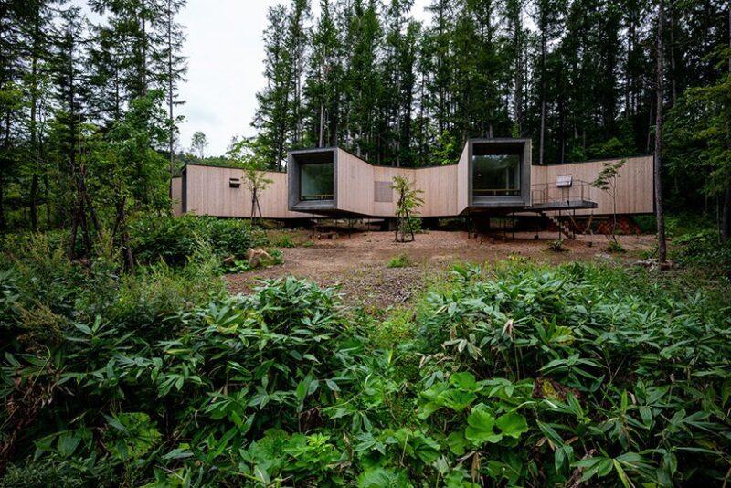 Уединенный дом в лесу на Хокайдо