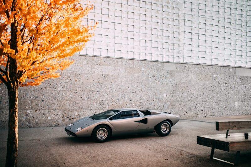 Аукционный Lamborghini Countach LP400 Periscopio