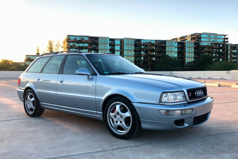 Аукционная Audi RS2 Avant 1994 года