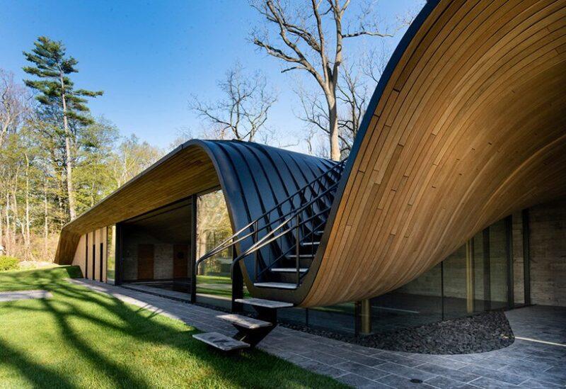 Дом со складкой в крыше от студии PARTISANS