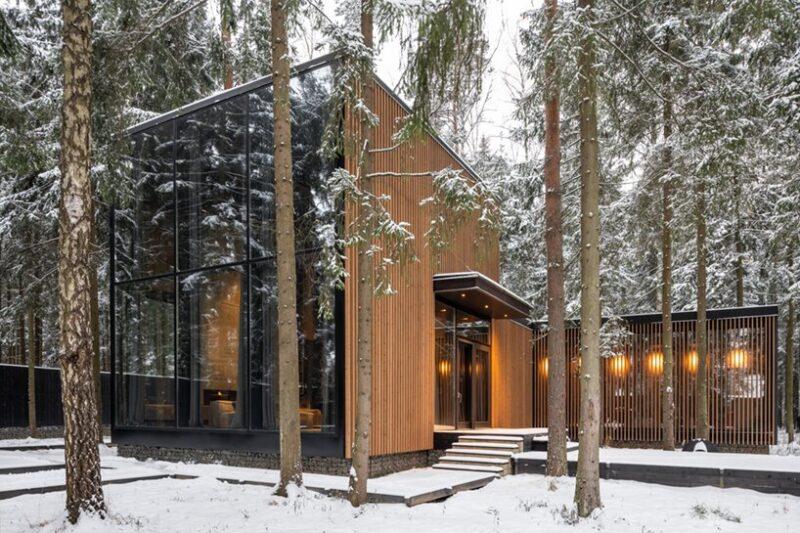 Дом прямоугольной формы в Подмосковье от студии buro511
