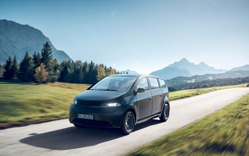 Sono Motors представил электромобиль Sion с гибкими солнечными панелями