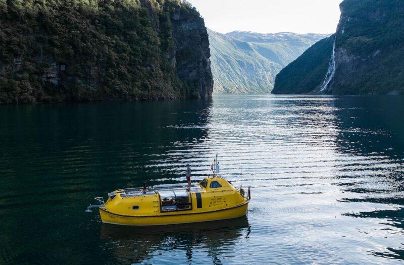 Плавучий дом Stødig Survival Lifeboat из спасательного судна