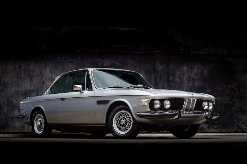BMW 3.0CS 1973 года в цвете Polaris Silver