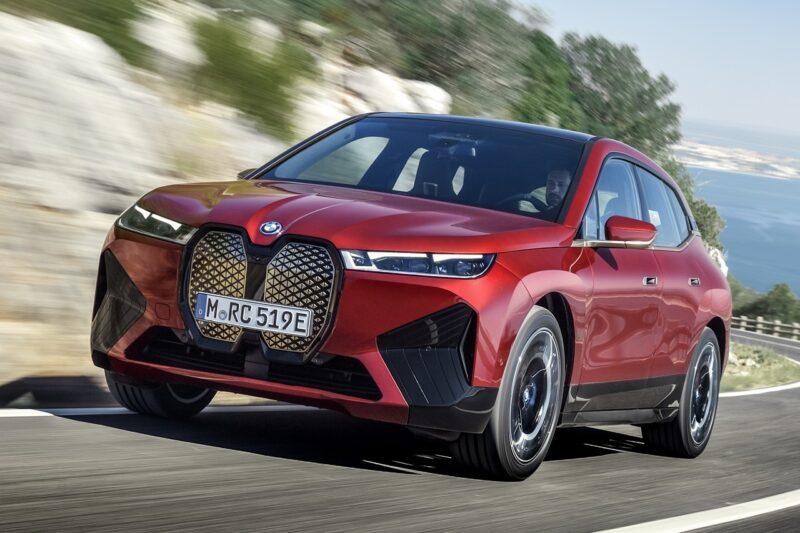 BMW представил электрический внедорожник iX