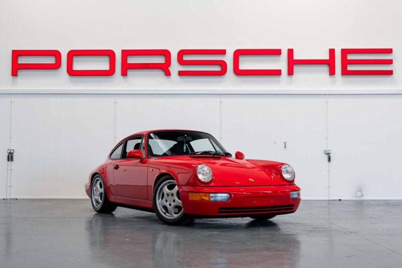 Аукционная Porsche 911 Carrera RS 1991 года