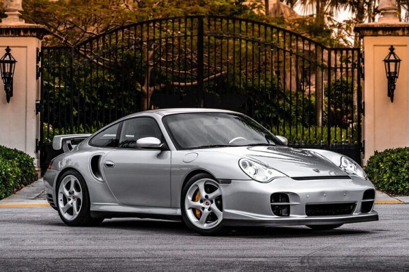 Аукционный Porsche 911 GT2 2003 года