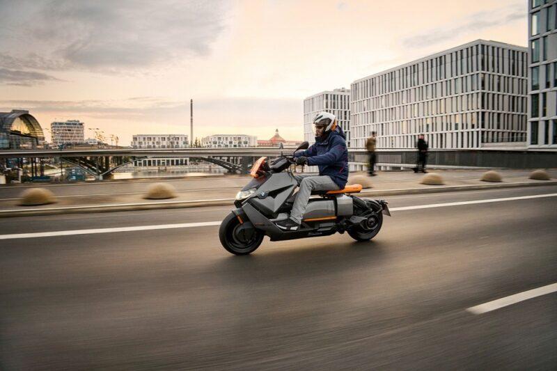 BMW Motorrad представил футуристический электроскутер CE 04