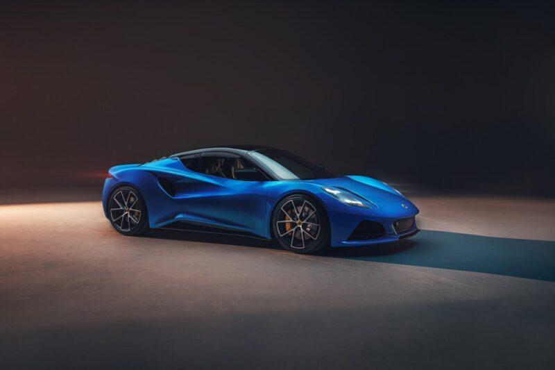 Lotus представил новую модель Emira