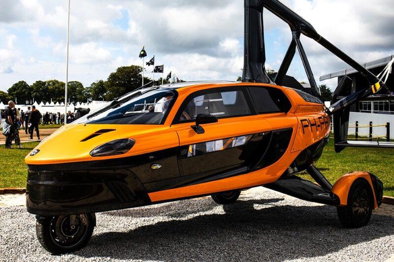 Первый в мире официальный летающий автомобиль PAL-V Liberty