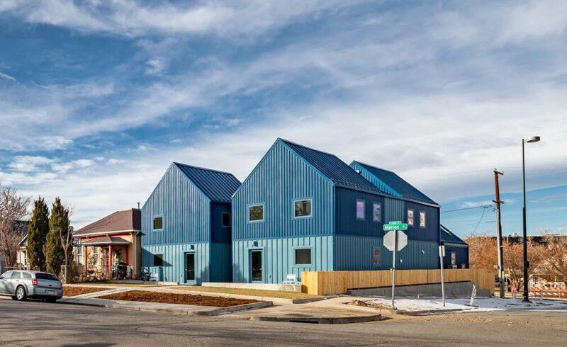 Ярко-синий дом от PRODUCTORA в Денвере