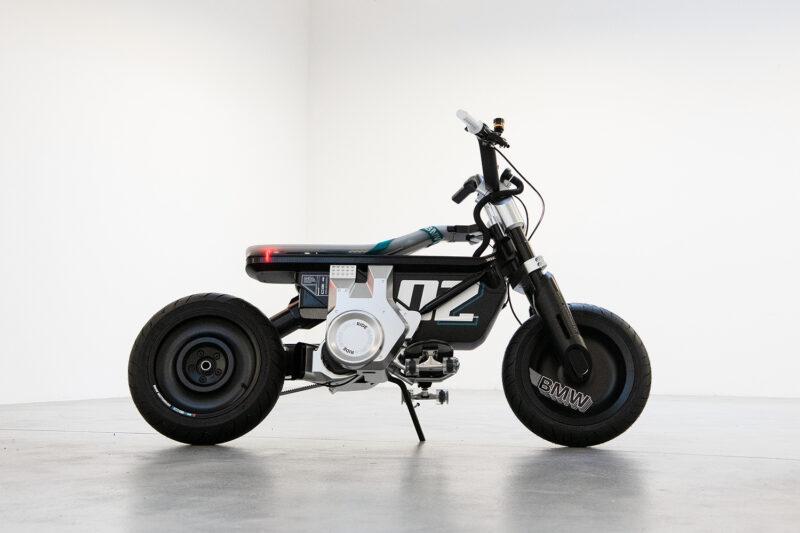 Электрический городской BMW Motorrad Concept CE 02